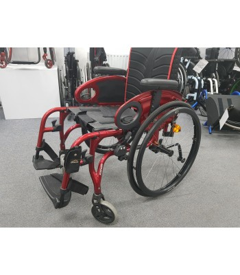 Second Hand Quickie Xenon SA Folding Everyday Wheelchair